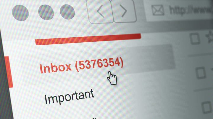 Most consumers check email for holiday deals, but conversion doesn't come easy